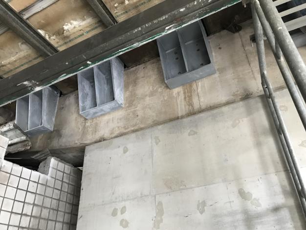 107年6月28日舊環南高架P66支承剪力措施吊裝.JPG