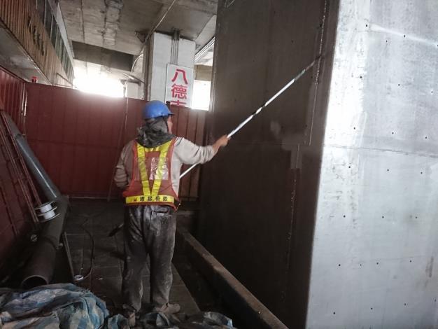 108年12月14日建國高P69包覆鋼板鋅鋁熔射