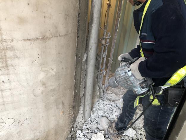 108年5月23日舊環南高架P78既有結構物拆除