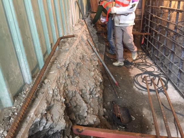 107年10月17日舊環南P71地樑鋼筋綁紮焊接