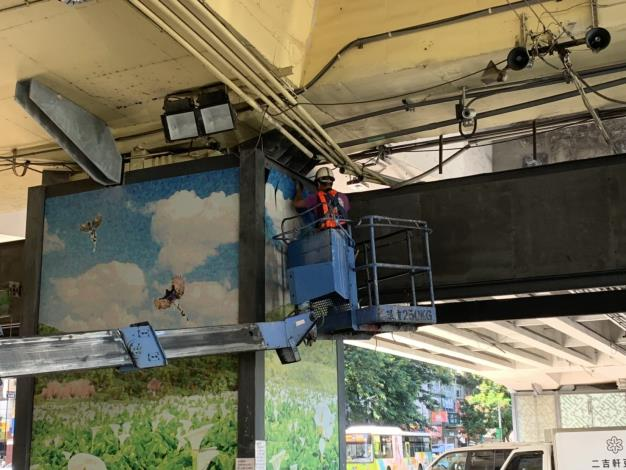 1080731-P32建國高架花市看板回復