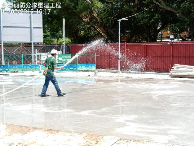 1080512連續壁鋪面灑水養護
