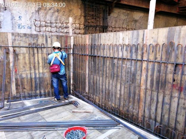 10812-B2F水箱牆鋼筋綁紮1