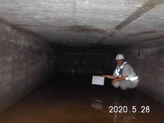 109.05.28 地下室筏基清理施工相片