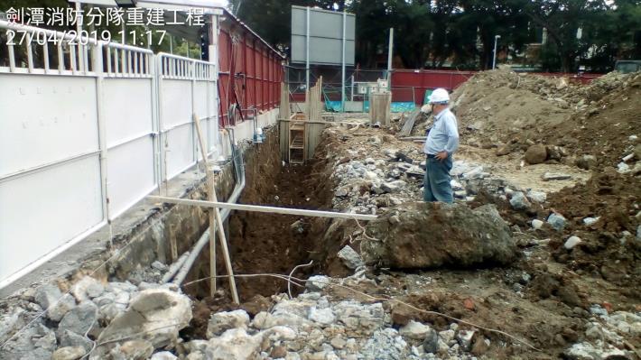 10804-連續壁導溝挖掘(西側)