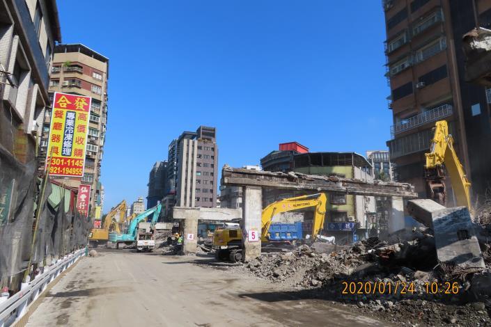 10901-重慶高架橋拆除作業