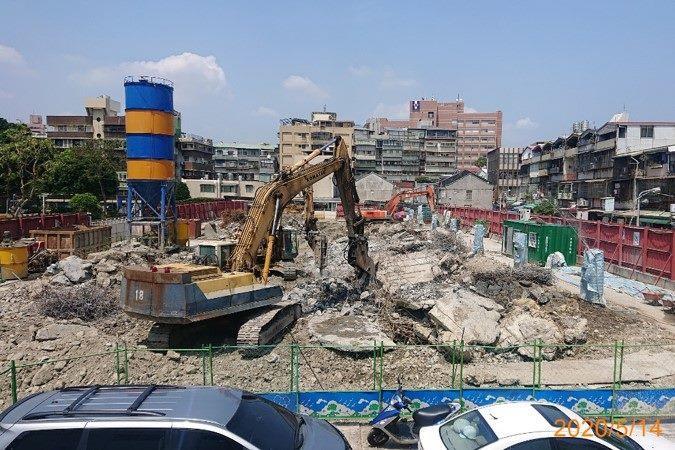 10905-連續壁內導溝、壁樁導溝及舊結構破碎