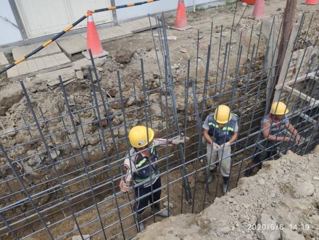 2020506-連續壁導溝施工