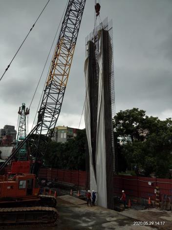 1090529-連續壁第4單元鋼筋籠吊放