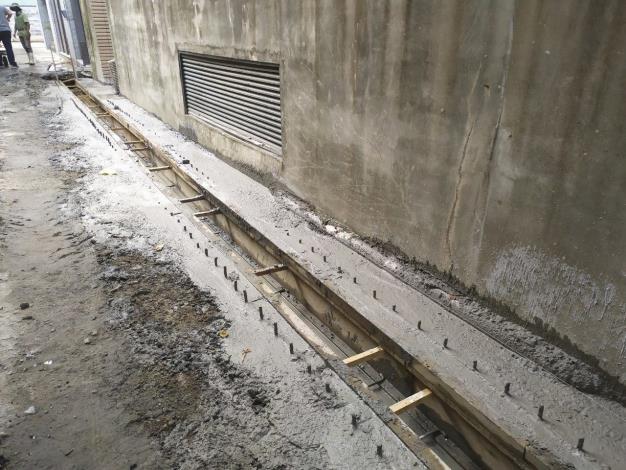 10906-2側溝混凝土澆置