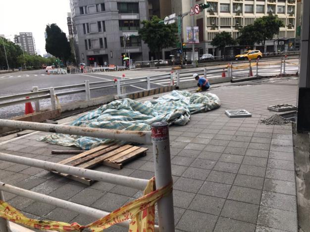1090831-忠孝國小至新生南路人行道貼磚