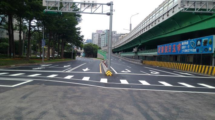 建國高架路段(建國南路與仁愛路交叉口)南下匝道拓寬工程