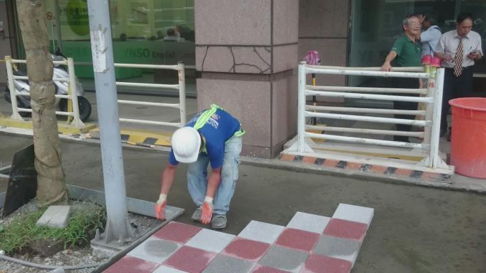 人行道高壓磚鋪設