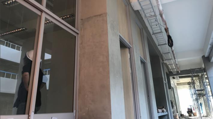 一般教室棟窗戶安裝