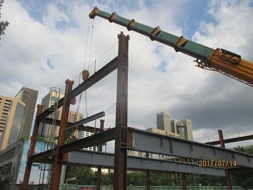 鋼構(柱.梁)吊裝組立作業