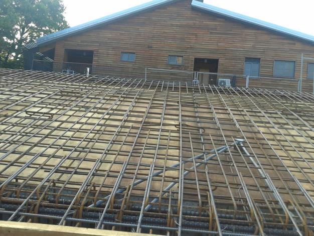 第二部分屋頂東側梁筋及版筋綁紮