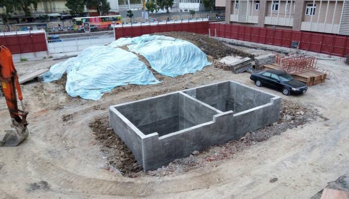 棄土坑施作