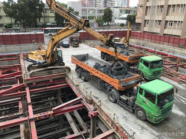 第七層土方開挖