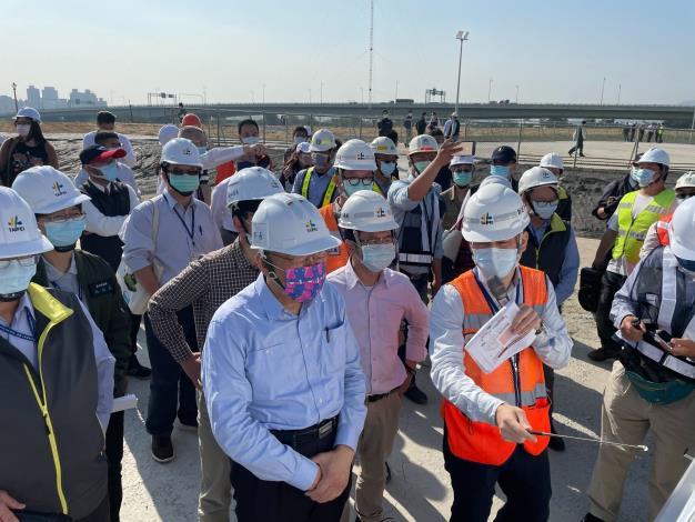 圖2 柯市長視察北士科公共工程西基地二期工地。