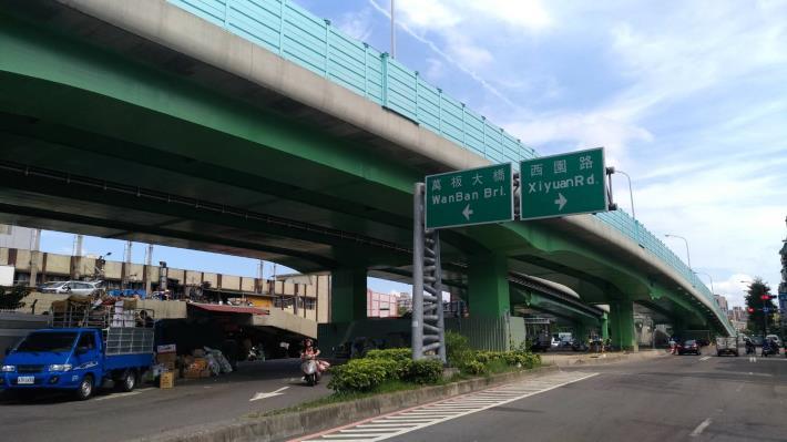 華翠大橋引道防蝕塗裝改善(已完工)