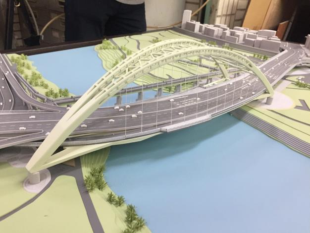 Model of the Zhongzheng Bridge after reconstruction[Open in new window]