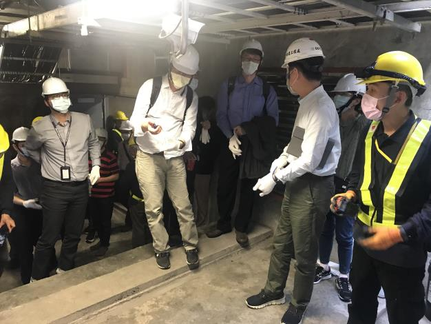 Picture 5. Onsite visit of the inner common ducts of Songshan Line.JPG