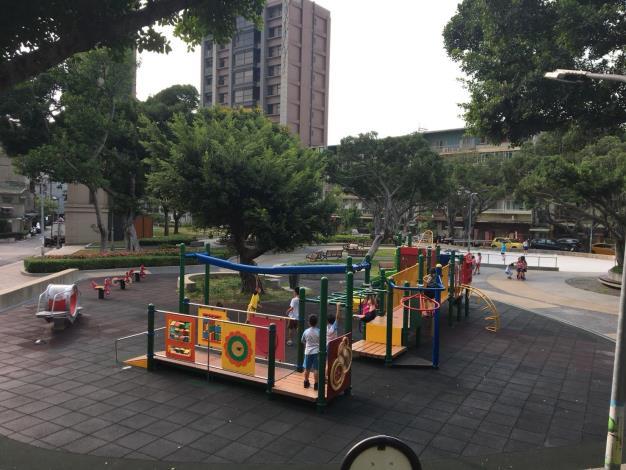 圖6.石牌公園兒童遊戲場更新[開啟新連結]