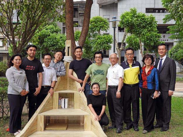 圖1. 昌隆公園內方舟造型之美好書席