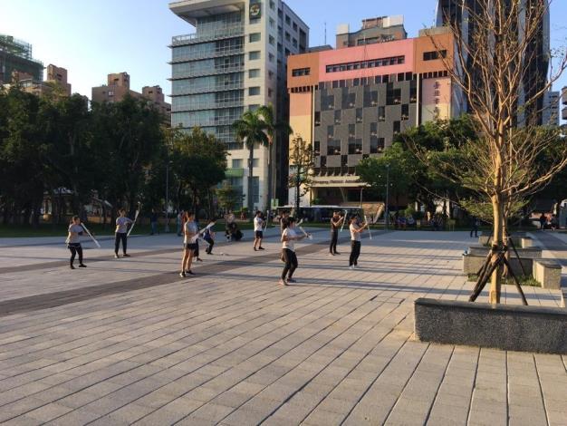 照片6.站前廣場完工後創造更多元的活動使用空間