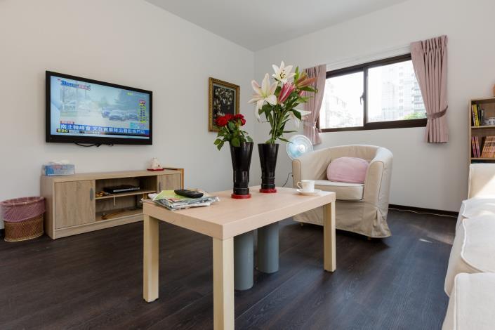 1.大砲花瓶從室內角度觀看,如同一般平常的空間(照片提供忠泰美術館)