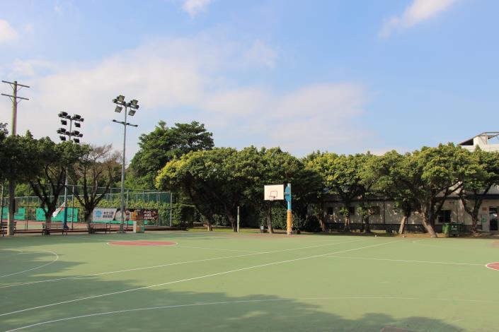 圖2、新生公園籃球場.JPG