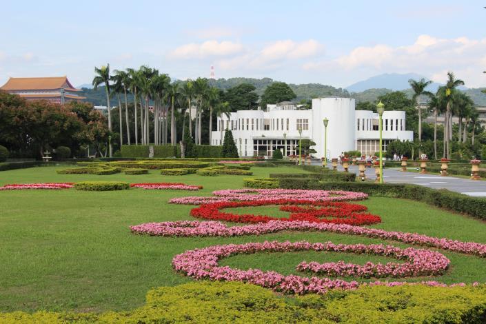 圖1、新生公園充滿歐洲花園風味的怡情園.JPG