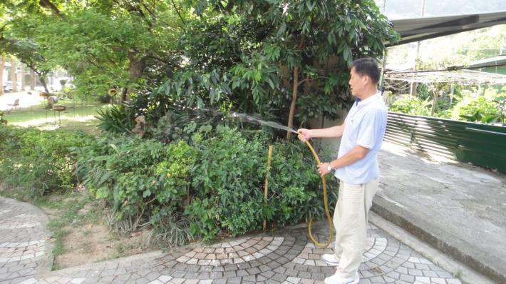 圖1、「中水」灌溉系統,利用過濾清潔汙水方式,達到水資源再利用