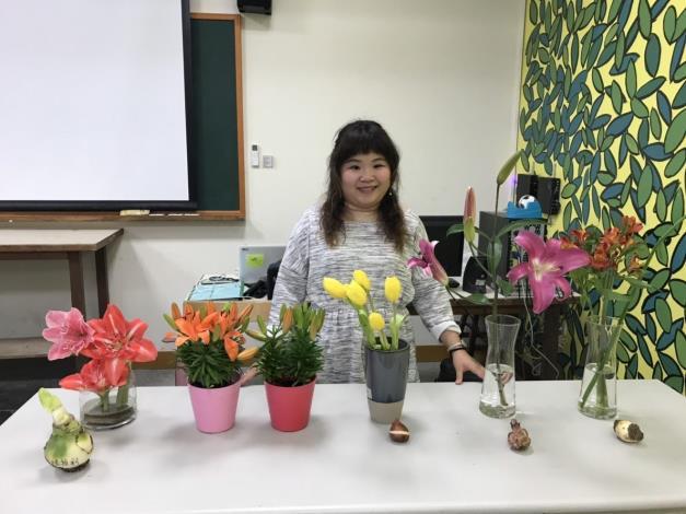 圖5. 配合鬱金香展開設3月2日「球根花卉超好種DIY-球根花卉認識與栽培」課程