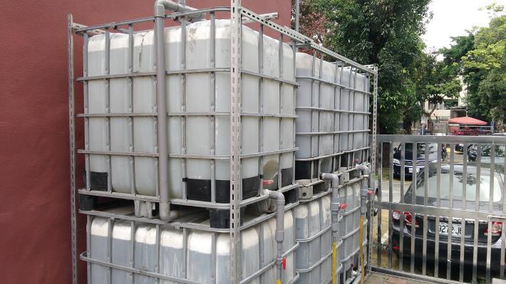 圖13.雨水再利用,將收集的雨水運用在水稻田[開啟新連結]