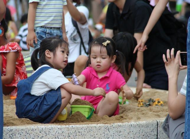 照片12. 水沙世界也有小小孩的玩沙空間