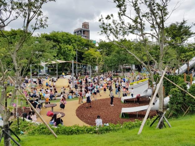 照片20.漂亮又好玩的華山大草原遊戲場已成為今夏最夯的親子休閒去處