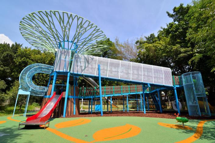 天空樹遊戲場(低層滑梯、無障礙坡道)