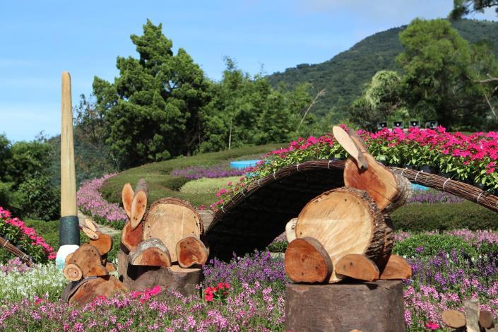 圖4. 木製月兔嬉戲