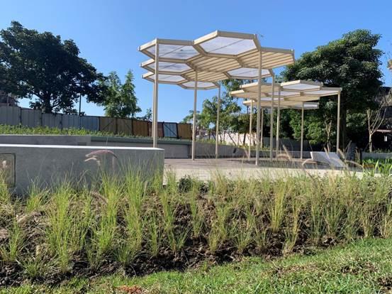 圖3.於公園內設置操作花台並結合棚架創造一處休憩空間,創造更親近之手栽香花香草體