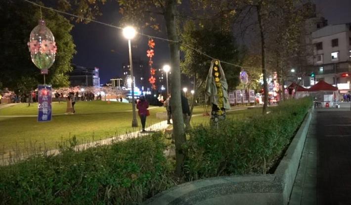 夢想社區於樂活公園布置燈籠