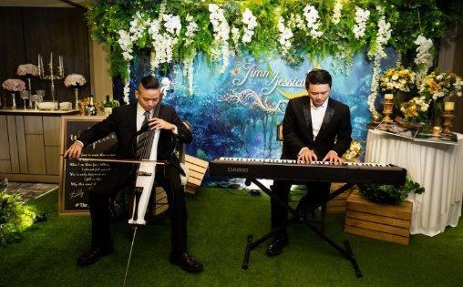 圖6 浪漫組曲點歌秀,悠揚輕音樂與民眾度過玫瑰假日。
