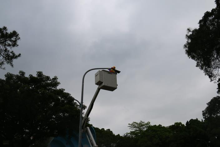 燈具脫落復歸.JPG