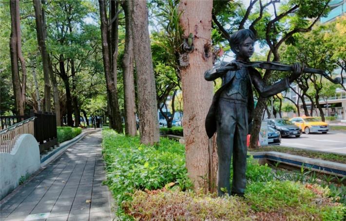 圖五、忠誠公園主題藝術裝置
