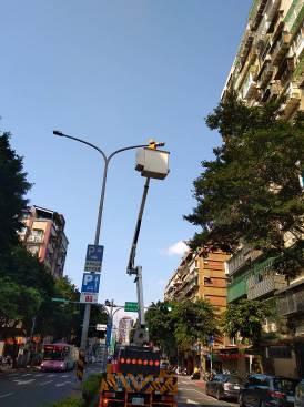 高空作業維修-燈