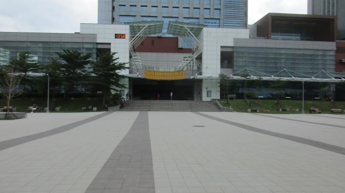 南興公園-鋪面廣場照片共10張