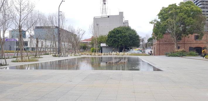 交八土建工程-鏡面水池