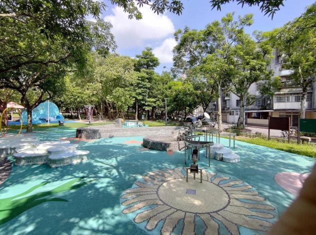 玉成公園-水渠道及設備、圖繪馬賽克