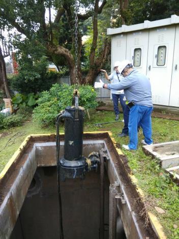 定期維護「幫浦」,確保污水輸送 (2)