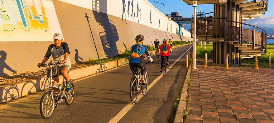 延平河濱公園騎腳踏車